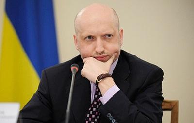 Турчинов проверил боевую готовность Украины