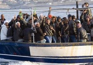 Прибывшим в Италию тунисским беженцам могут выдать разрешения на передвижение по Шенгену