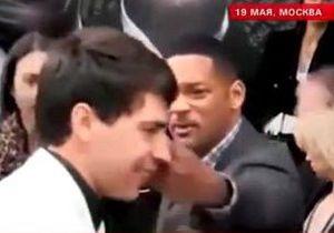 Уилл Смит дал пощечину украинскому журналисту, пытавшемуся его поцеловать