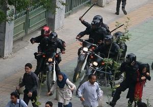 Иран предложил Англии помощь своих дружинников для восстановления порядка после погромов