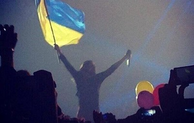 На концерте 30 Seconds to Mars в Киеве зал скандировал   Слава Украине! ,  Героям слава!