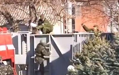 В Крыму выстрелы: очередной конфликт Самообороны и солдат ВСУ