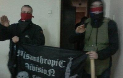 Активистов Правого сектора начали выводить из здания на Рымарской в Харькове – российские СМИ