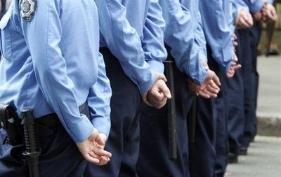 Крымские милиционеры проводят учения Антитеррор