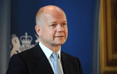 Глава МИД Британии отвергает возможность применения силы из-за событий в Крыму