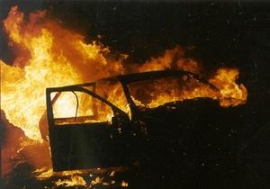 Неизвестные сожгли автомобиль и отравили собаку председателя избиркома от БЮТ