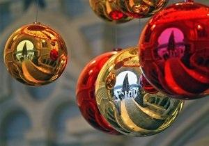 В центре Киева открыли новогоднюю карусель