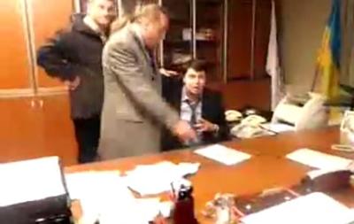 Аваков назвал безобразием избиение депутатами от Свободы президента НТКУ