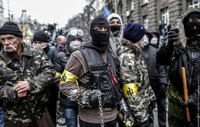Правый сектор начинает формировать  русский легион  и не намерен сдавать оружие
