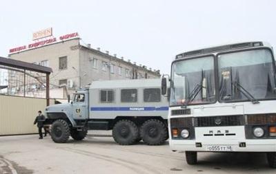 В Липецке ОМОН заблокировал кондитерскую фабрику Roshen