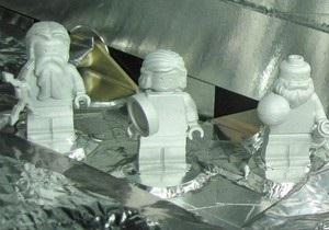 Исследовательский зонд везет на Юпитер Lego-фигурки римских богов и Галилея