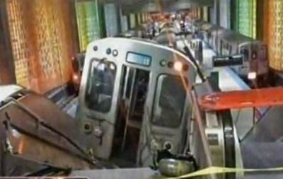 В Чикаго сошел с рельсов поезд метрополитена