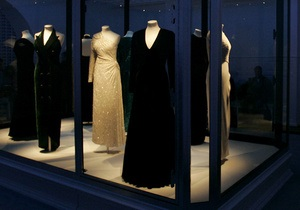 В Лондоне пройдет выставка самых известных платьев принцессы Дианы