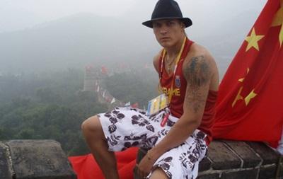 Важная миссия: Александр Усик улетел в Китай