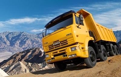 Правоохранители Чернигова вернули КамАЗу 43 грузовика