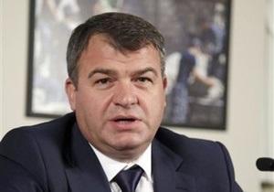 Медведев заявил, что Сердюков был эффективным министром