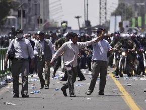 СМИ: В Тегеране произошли столкновения сотен манифестантов с полицией