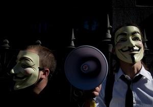 Хакеры Anonymous взломали 40 сайтов, распространявших детскую порнографию