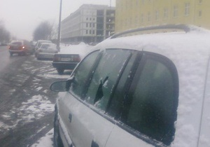 Фотогалерея: В Минске спецтехника побила стекла автомобилей