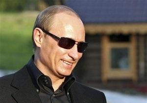 Путин в Крыму покатался с байкерами на трехколесном мотоцикле (обновлено)