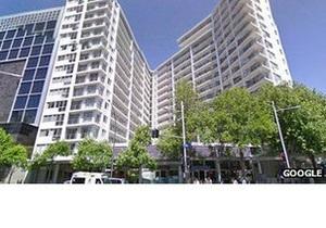 Британец выжил, упав с балкона 15-го этажа в Окленде