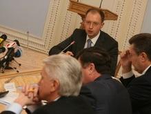 Янукович уединился с Яценюком. Литвин в шоке
