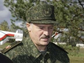 Лукашенко признался, что хорошо стреляет из всех видов стрелкового оружия, кроме пистолета