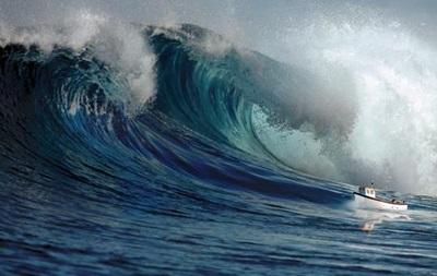 На побережье Чили обрушилось цунами после мощного землетрясения