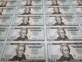 НБУ назвал даты валютных аукционов