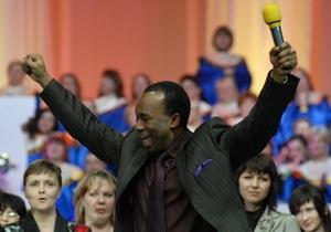 Янукович объявил благодарность Аделадже