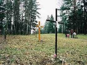 Белорусская оппозиция прошла по Минску с крестами