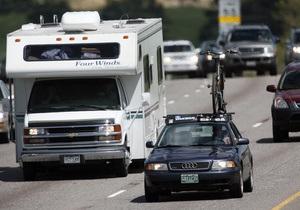 Вождение автомобиля в мегаполисе вызывает такой же стресс, как прыжок с парашютом