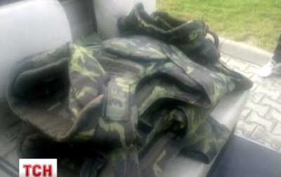 Польские таможенники задержали на границе партию бронежилетов для украинских солдат