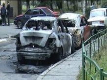 Поджоги автомобилей в Киеве: за ночь сгорело еще две иномарки