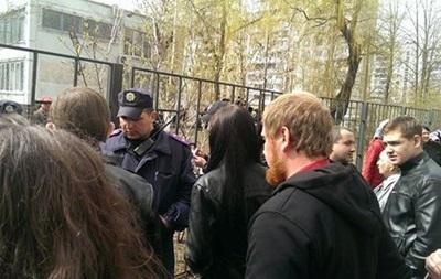 Активисты пикетировали здание суда в Харькове