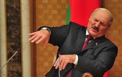Лукашенко об импортном пиве: Брызните в бане на камни и понюхайте