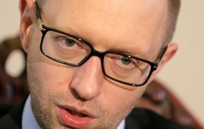 Яценюк поручил срочно предоставить помощь семьям погибших шахтеров