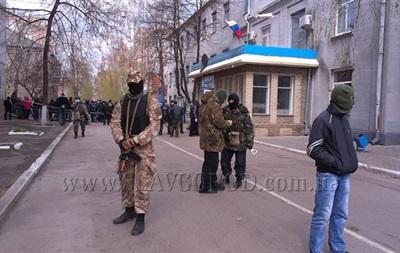 В Славянске сепаратисты открыли огонь на поражение по спецназу - Аваков
