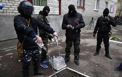 В Славянске есть убитые и раненые с обеих сторон - Аваков