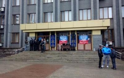 В Макеевке захватили горсовет, избран  народный мэр
