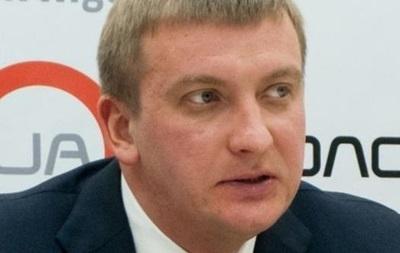 Решение о проведении всеукраинского референдума примет парламент - глава Минюста
