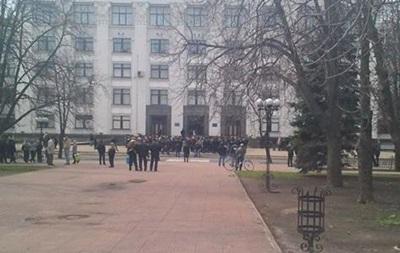 В Луганске протестующие дали властям время «одуматься» до 16 апреля