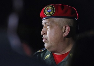 Фидель Кастро подарил Чавесу военный джип