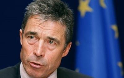 НАТО не рассматривает военные методы урегулирования кризиса в Украине - Расмуссен