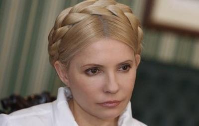 Тимошенко хочет организовать переговоры с захватившими здания на востоке