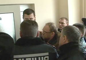 Батьківщина: Власенко не пускают к Тимошенко