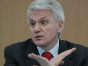 Литвин: Украинские политики изящно перевели внимание людей на эпидемию