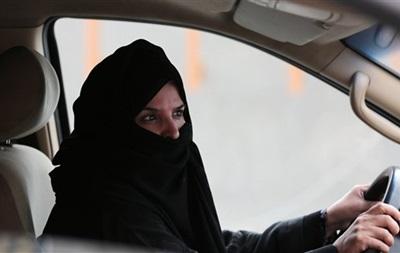 В Саудовской Аравии арестовали севшую за руль женщину