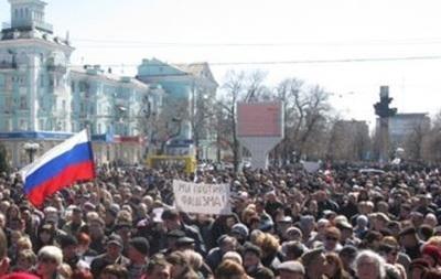В Луганске в 10.00 начинаются народные сходы