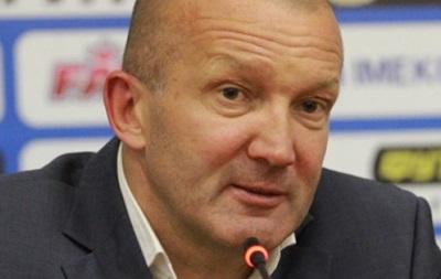 Тренер Черноморца объяснил, зачем побежал спорить с наставником Днепра